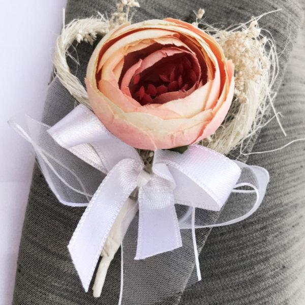 Бутониери за сватба с розов божур B61