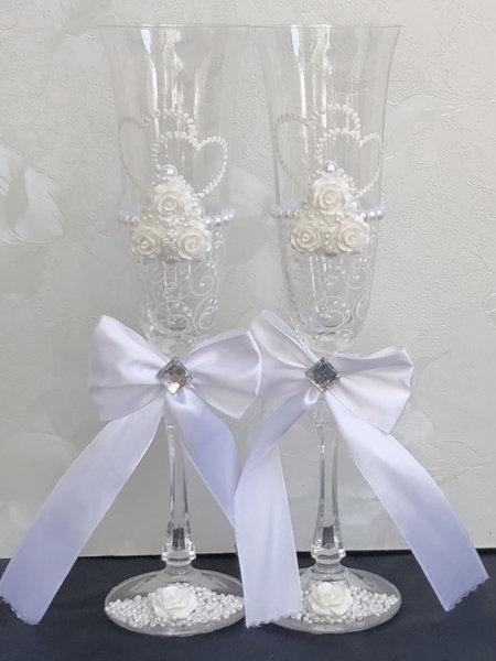 Релефни сватбени чаши с панделки N4