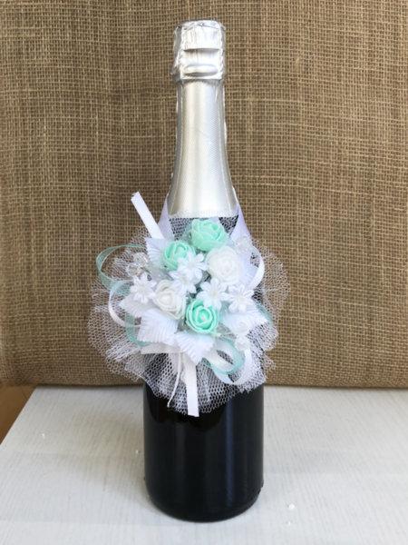 Подвижна украса за сватбено шампанско в цвят мента U5