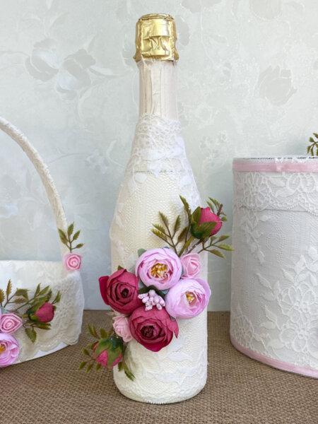 Шампанско за ритуал с розови божури и дантела