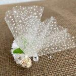 Сватбен късмет с бяло цвете B6