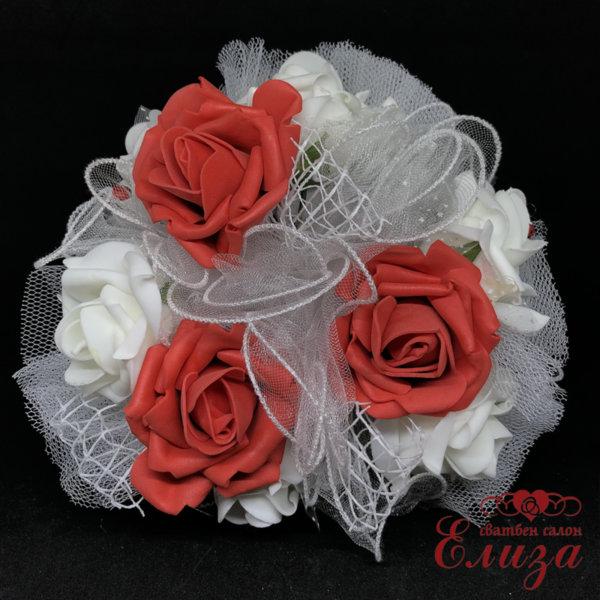 Сватбен букет за хвърляне от големи рози R4 червено