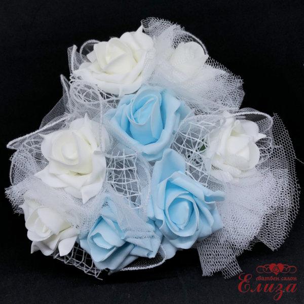Сватбен букет за хвърляне от големи рози R6 светло синьо