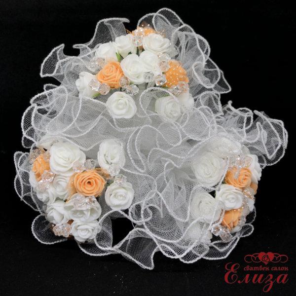 Сватбен букет за хвърляне от рози в цвят праскова и бяло R9