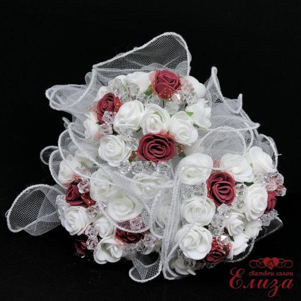 Сватбен букет за хвърляне от малки рози R17 бордо