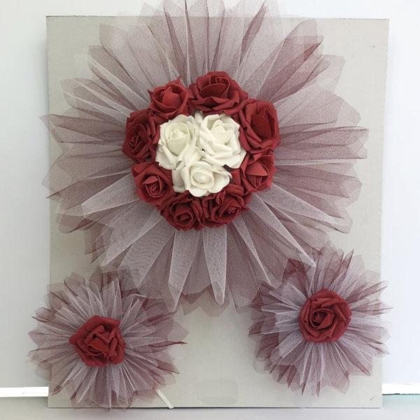 Сватбена украса за кола от изкуствени цветя в бордо E7