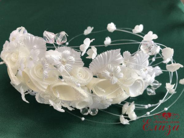 Сватбена диадема за коса с цветчета, калии и рози в екрю