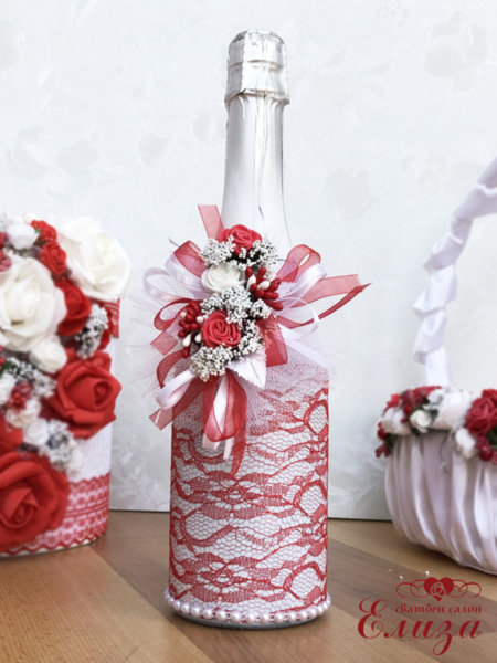 Украсено сватбено шампанско в червено C14