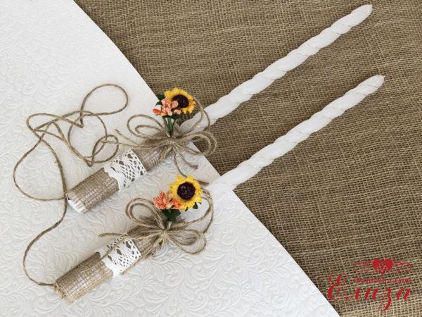 Украсени сватбени свещи със зебло и слънчогледи