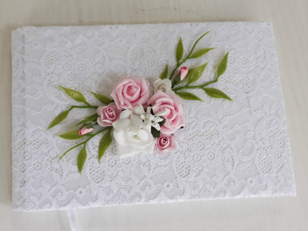 Сватбена книга за пожелания с розови цветя