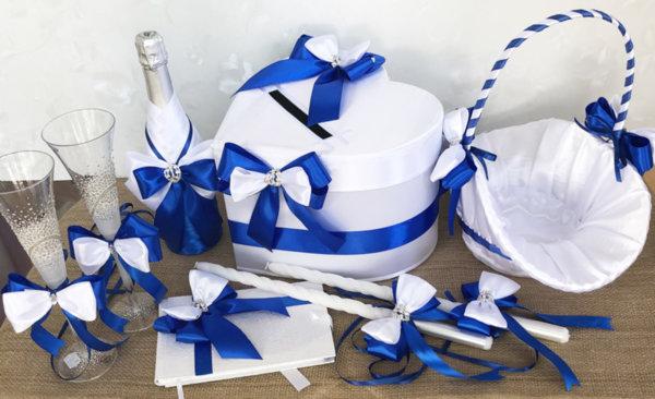 Сватбени аксесоари с тъмно сини панделки K35
