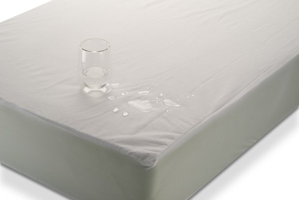 Deluxe - непромокаем протектор за матрак тип ластичен чаршаф