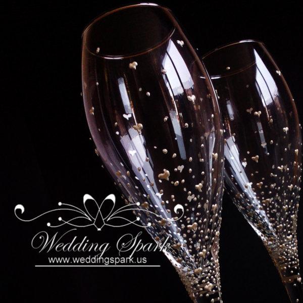 Inspiring love white wedding flutes