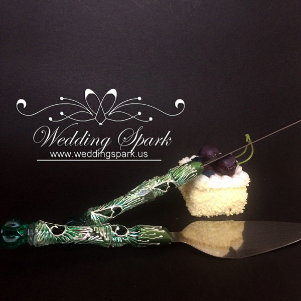 Peacock feathers Cake serving set in white and green color