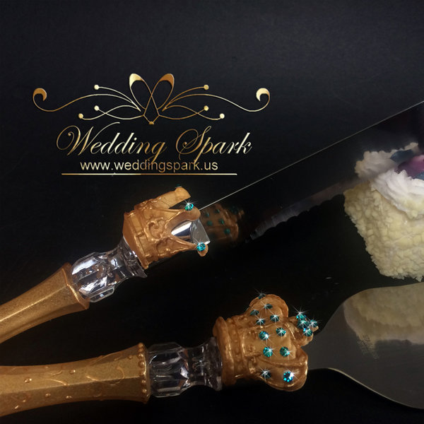 King queen crown Cake serving set in gold