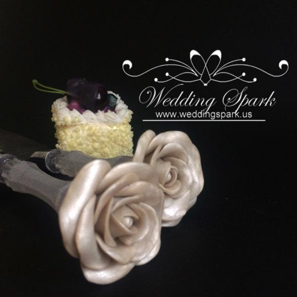 White rose Cake serving set