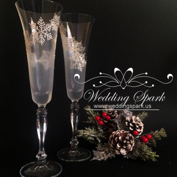 White snowflakes Champagne flutes
