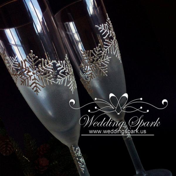 White snowflakes Champagne glasses