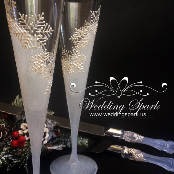 10%off White snowflakes Winter Champagne flutes cake serving set