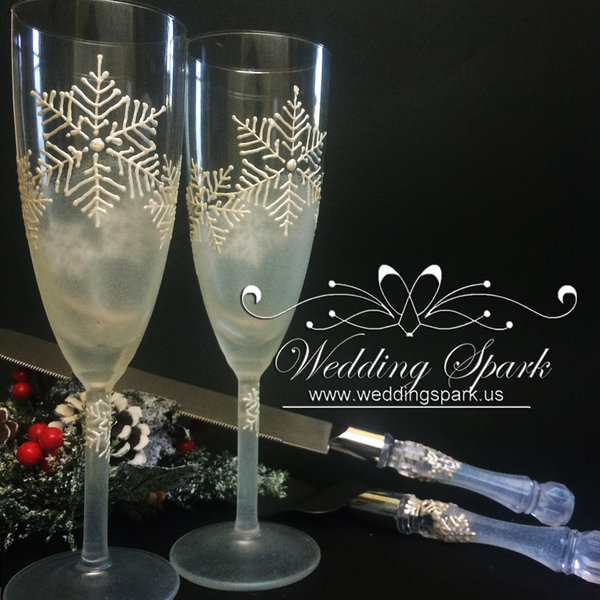 10%off White snowflakes Winter Champagne glasses cake serving set