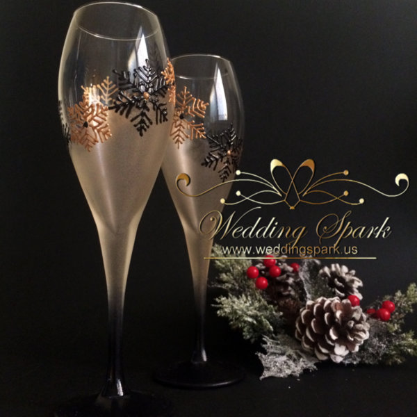 Snowflakes Champagne glasses in gold and black