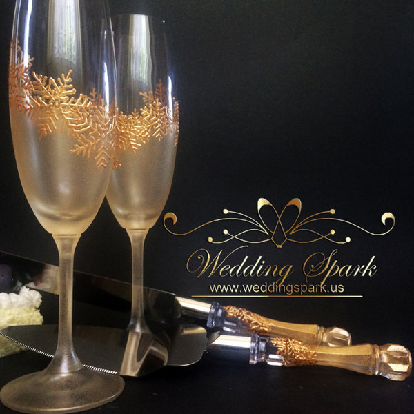 10%off Gold snowflakes Winter Champagne glasses cake serving set