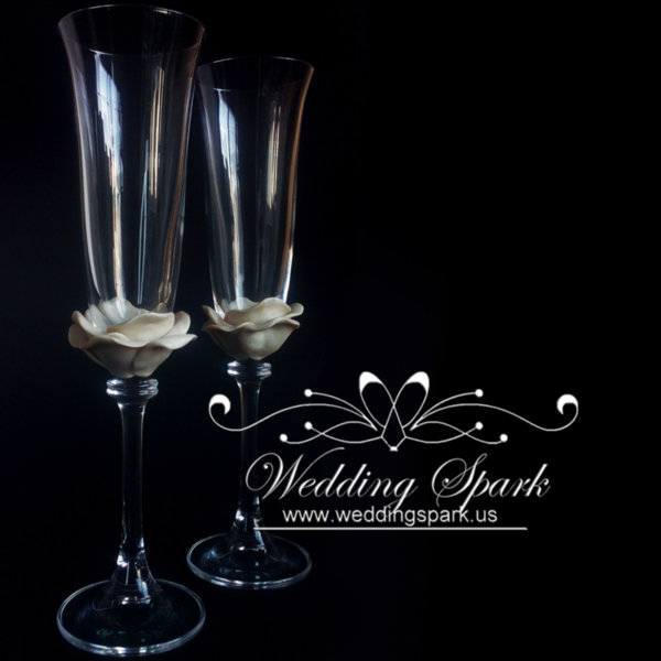 White rose wedding champagne flutes