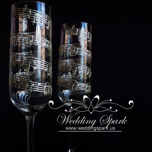 Music notes wedding flutes in white