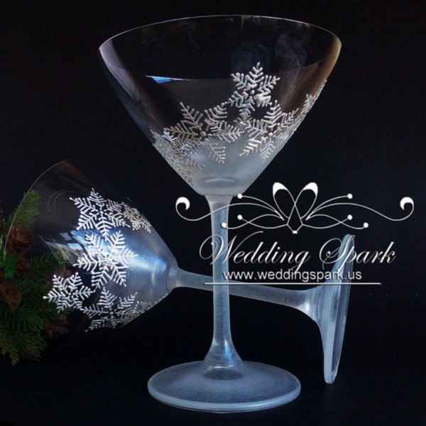 White snowflakes martini glasses in white