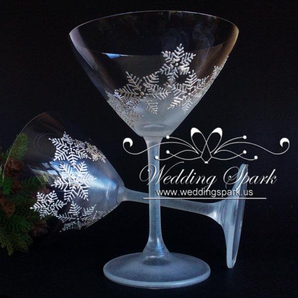 White snowflakes martini glasses in white