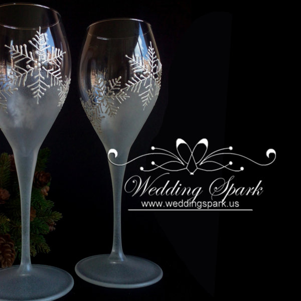 White snowflakes champagne/ wine glasses