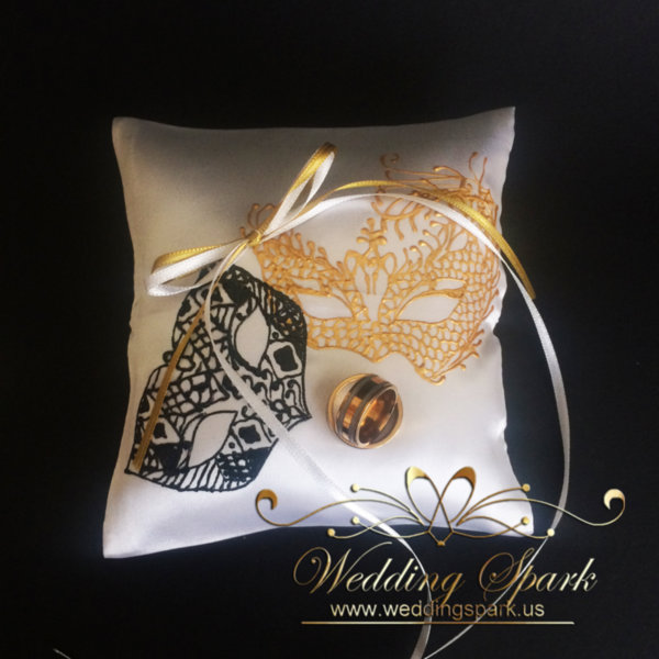 Masquerade mask ring pillow
