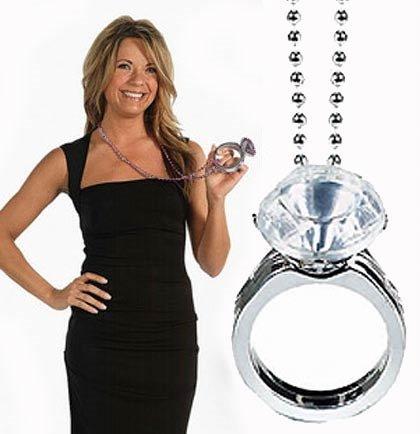 Колие с диамантен пръстен - 40см