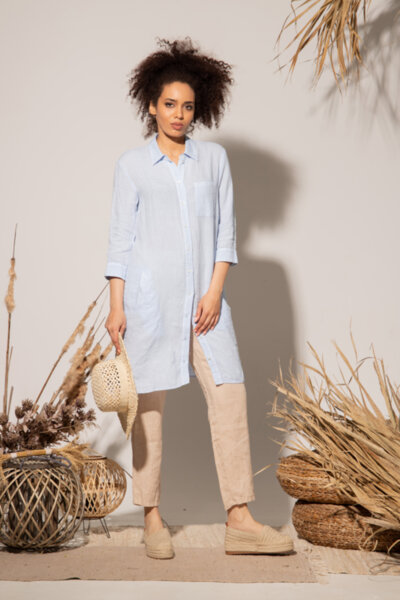 Κλασικό φόρεμα σε στιλ πουκάμισο με μήκος ως το γόνατο από υψηλής ποιότητας λινό ύφασμα: /PEPIMA/