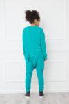 Σετ από άνετο φούτερ με ασύμμετρο το μπροστινό μέρος και χαμηλοκάβαλο παντελόνι: /ATSUKO/