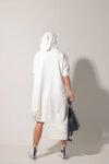 Εκκεντρικό μίντι φόρεμα με κουκούλα
