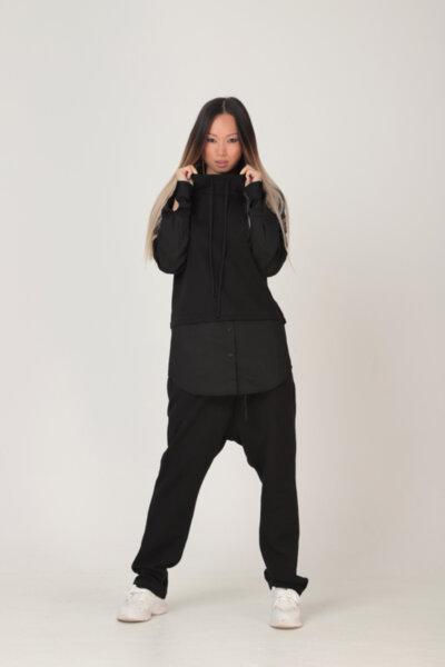 Μαύρη βαμβακερή επιμήκης αθλητική μπλούζα με κουκούλα με ασορτί βαμβακερά μανίκια: /RAN/