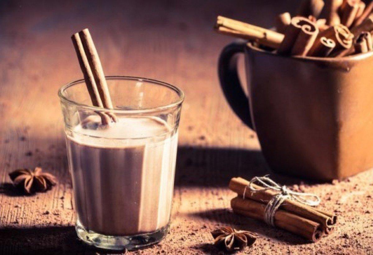 Едно различно мляко с какао и мака