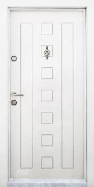 Блиндирана входна врата модел Т-712, цвят Бяла