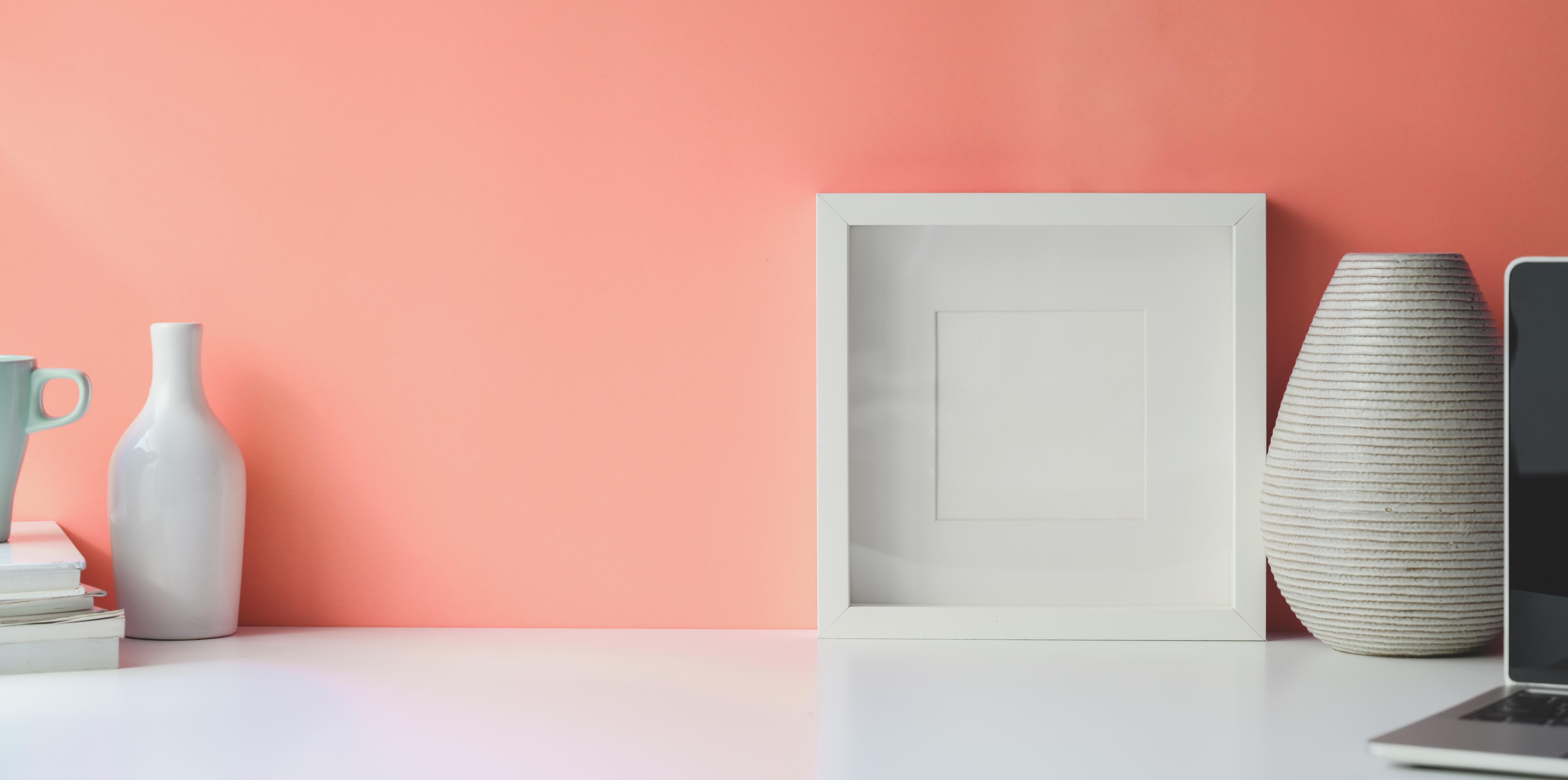 снимка на стена, боядисана в розово