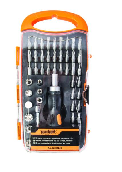 Отвертка-тресчотка с накрайници и вложки - комплект 49 части