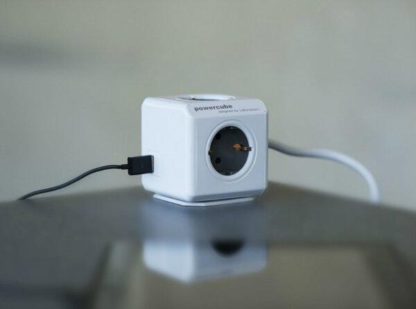 Разклонител PowerCube Extended USB