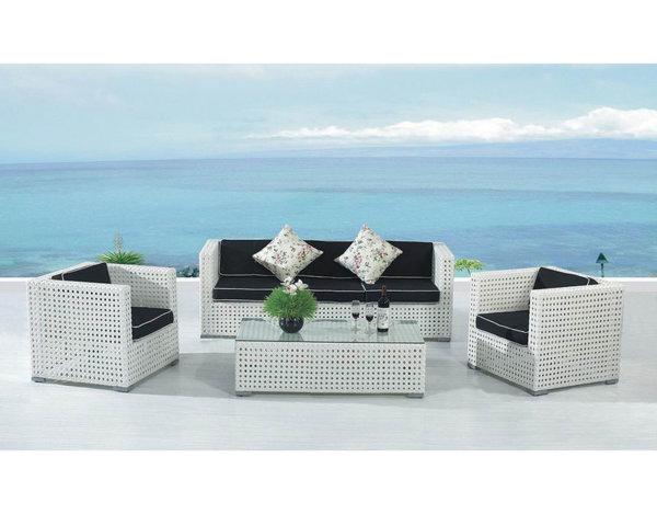 Комплект градински мебели - от ратан