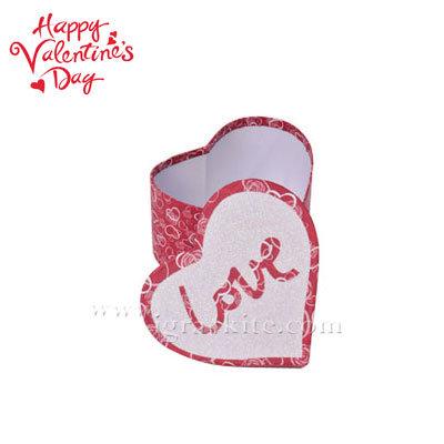 Подаръчна кутия сърце средна 22582801