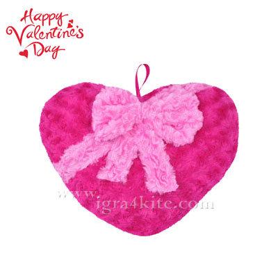 Плюшена възглавничка във формата на сърце 22592801