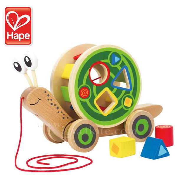 Hape - Дървен Охлюв за дърпане с формички за сортиране H0349