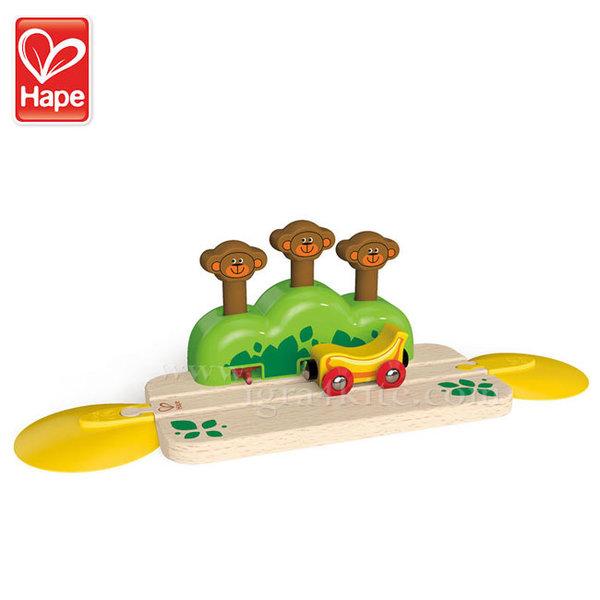 Hape - Дървено влакче с изскачащи маймунки H3809