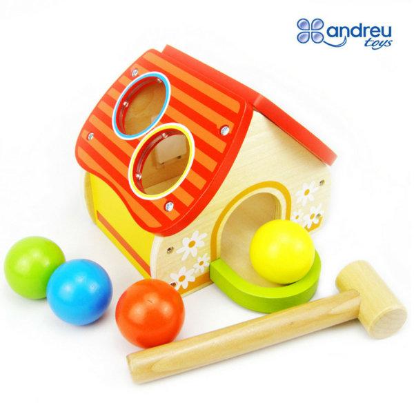 Andreu Toys - Дървена къща с чукче и топки 15401