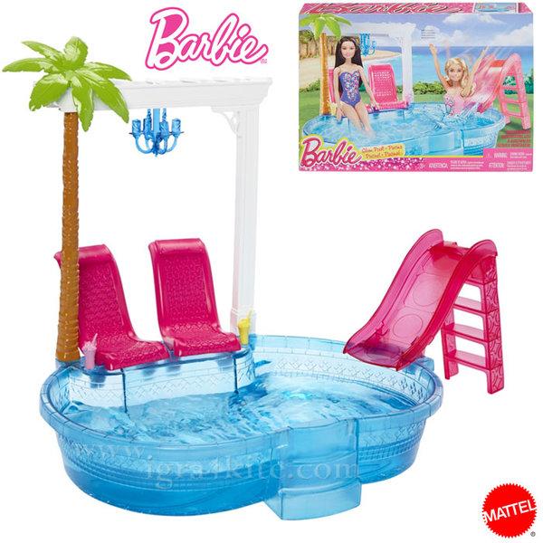 Barbie - Басейнът на Барби dgw22