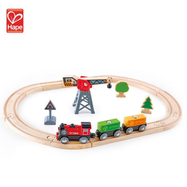 Hape Детски дървен товарен влак H3731